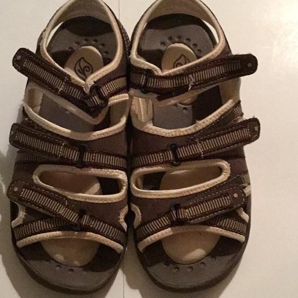 f819c31a2057 BRISAS Shoes - BRISAS SANDALS. SIZE 8. VELCRO STRAPS